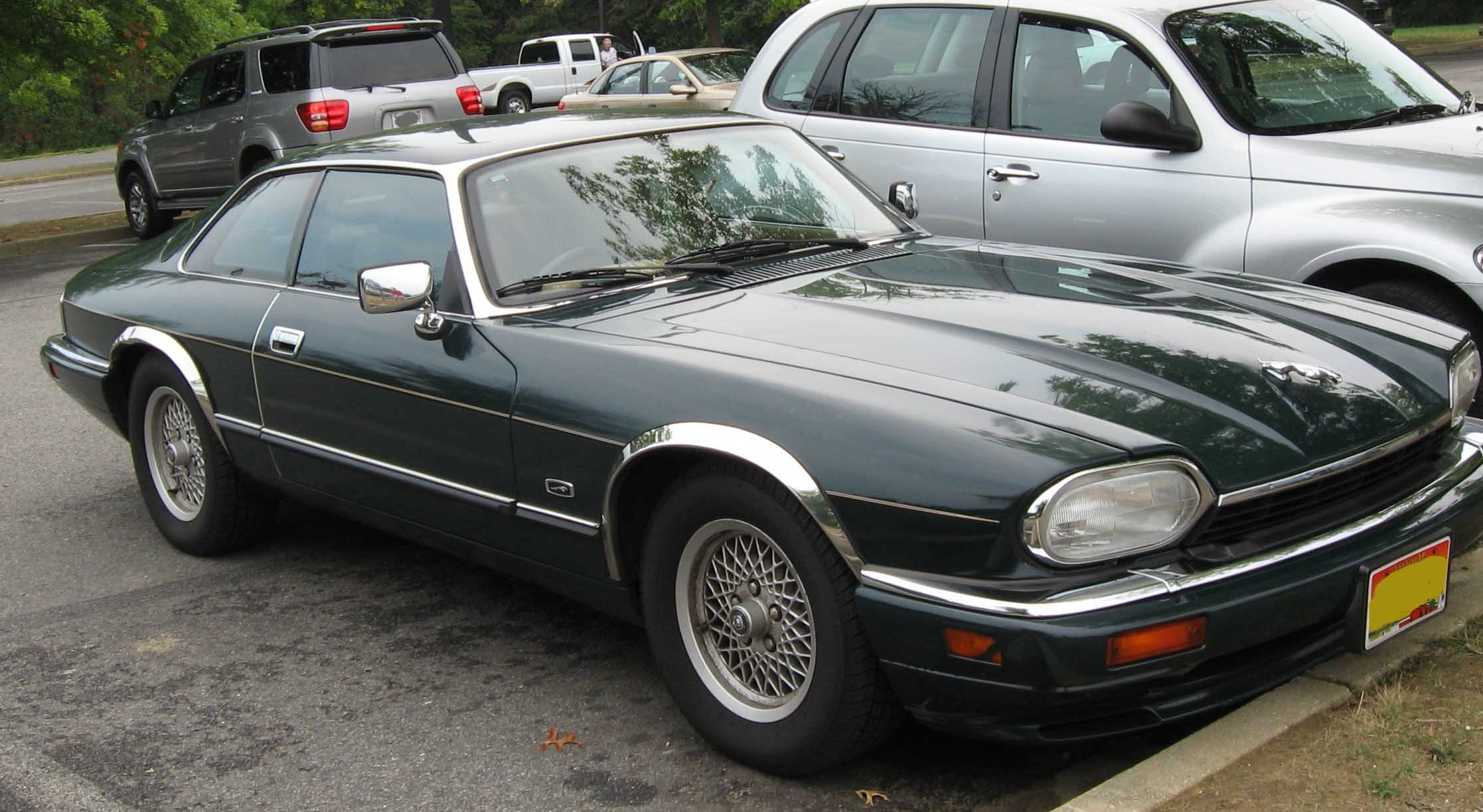Description 94-96 Jaguar XJS.jpg