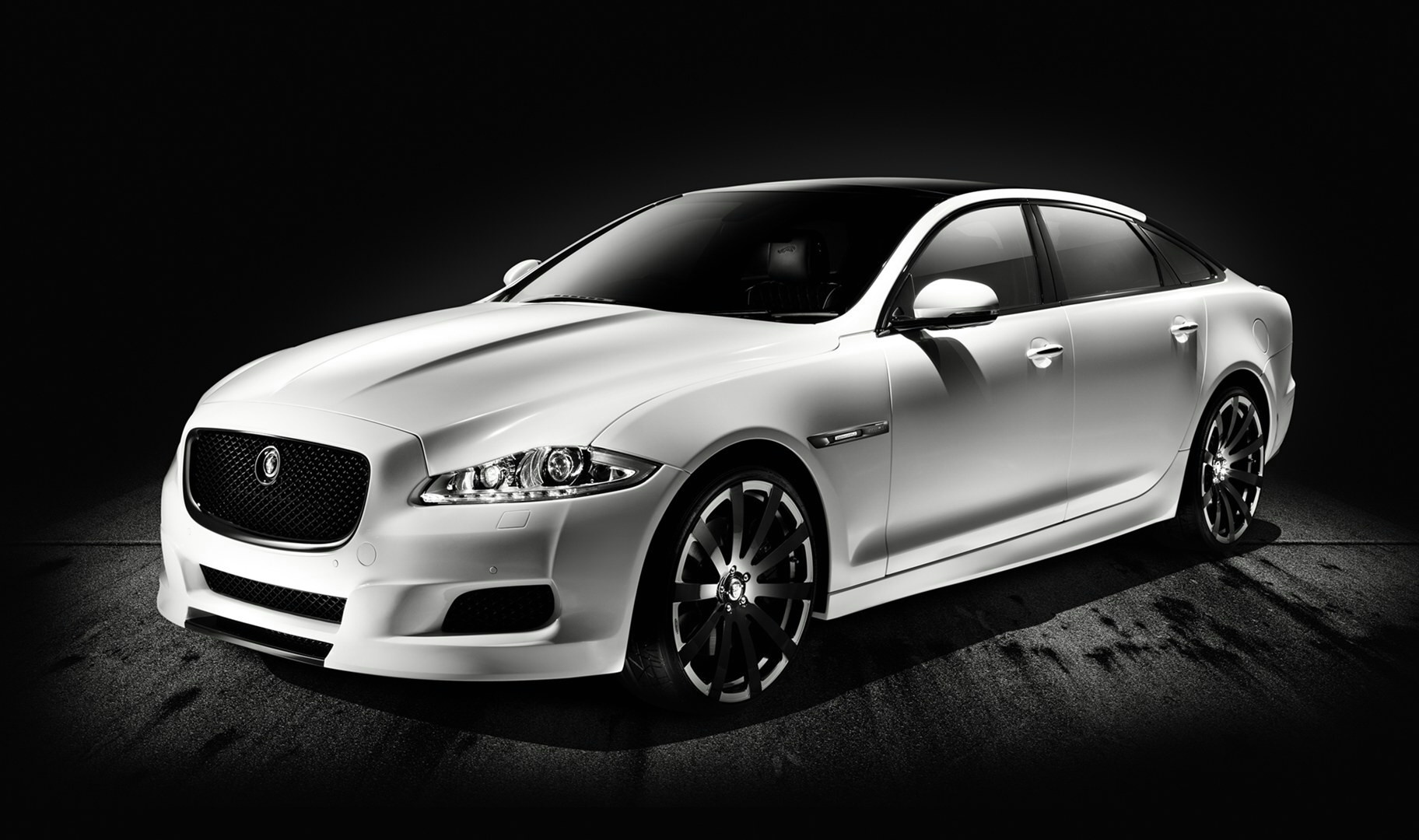 2010 Jaguar XJ75 Platinum Design Concept Wallpaper | HD Car Wallpapers